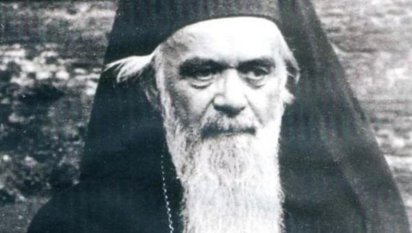 Άγιος Νικόλαος Βελιμίροβιτς: «Για το ράσο των κληρικών»