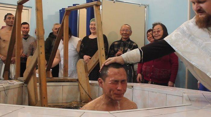 Μαζικές βαπτίσεις Ορθόδοξων Χριστιανών στη Σιβηρία