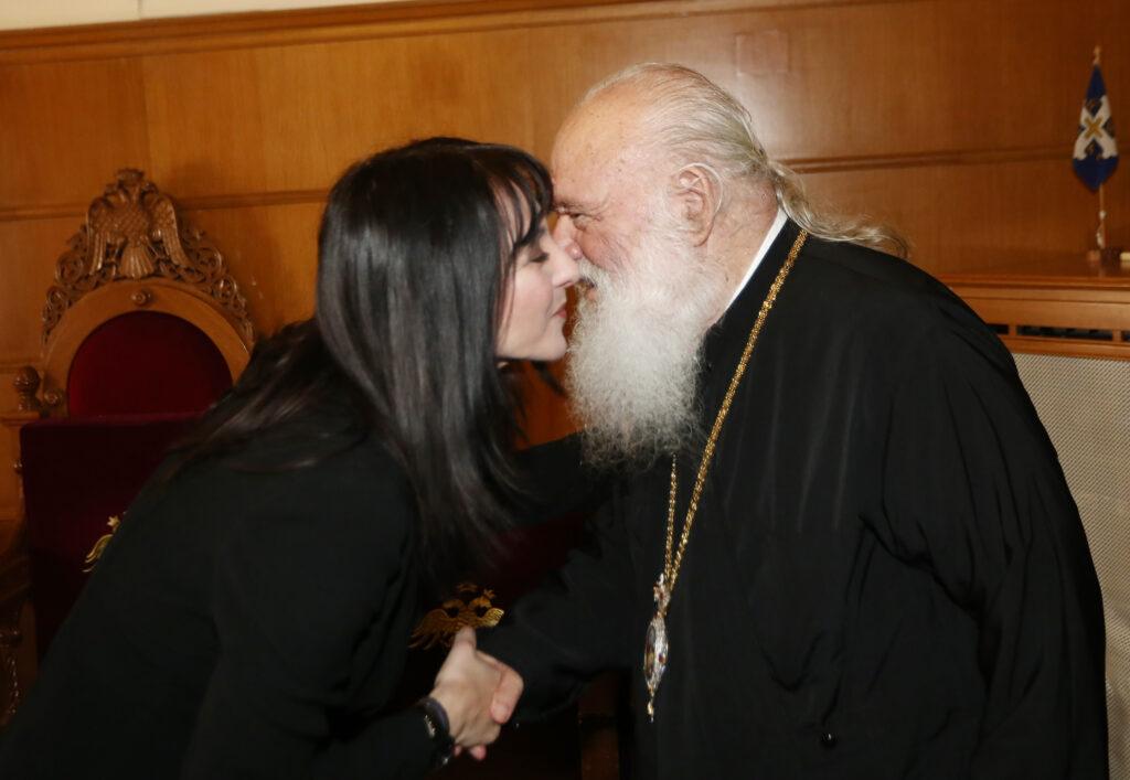 Στον Αρχιεπίσκοπο η κ. Κουντουρά για τον θρησκευτικό τουρισμό
