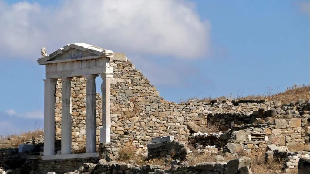 World Heritage sites Delos and Daphni to get restoration funding, FinMin says
