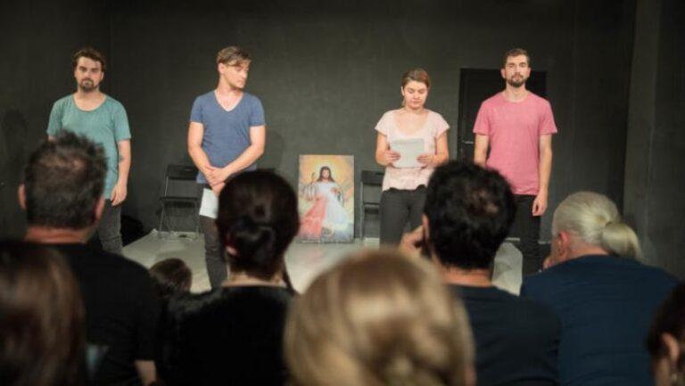 Βλάσφημη παράσταση ξεσηκώνει τους πιστούς στη Ρουμανία