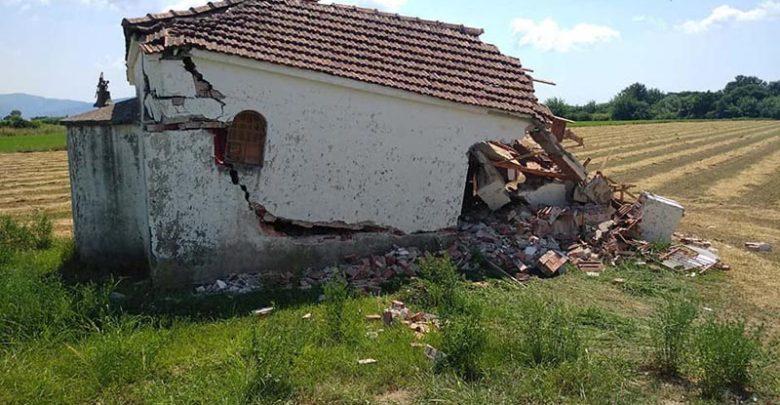 Συνελήφθη το ζευγάρι που γκρέμισε το εκκλησάκι του Αγίου Νικολάου