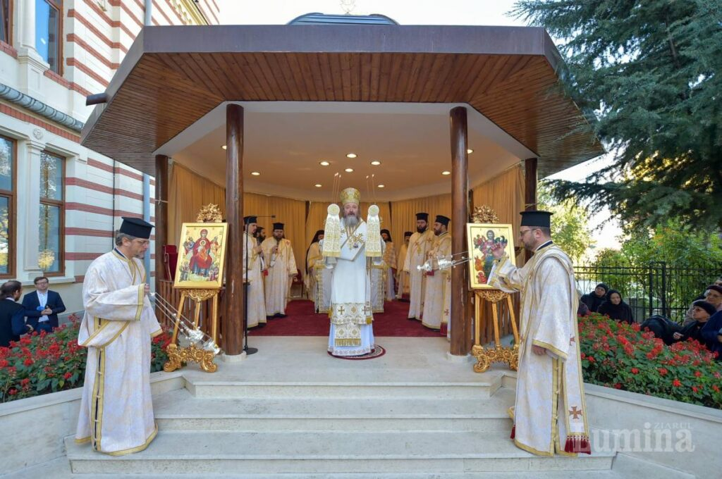 Saint Nectarios was a wise, enlightened hierarch full of humility: Bishop Ieronim of Sinaia