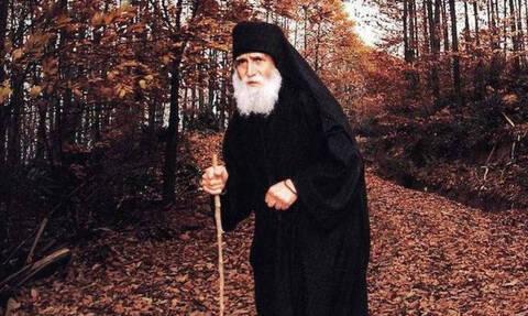 Ο Μ. Κωνσταντίνος «επισκέπτεται» τον Άγιο Παΐσιο