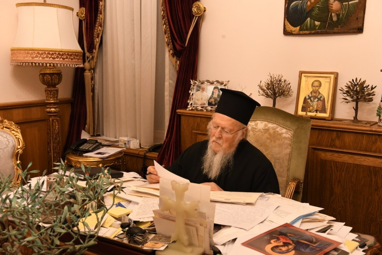 Correspondence of the Ecumenical Patriarch with Primates of other local Orthodox Churches regarding the way of distribution of the Eucharist