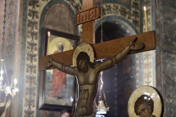 """Το """"Σήμερον κρεμάται επί ξύλου"""" στον Ορθόδοξο κόσμο"""