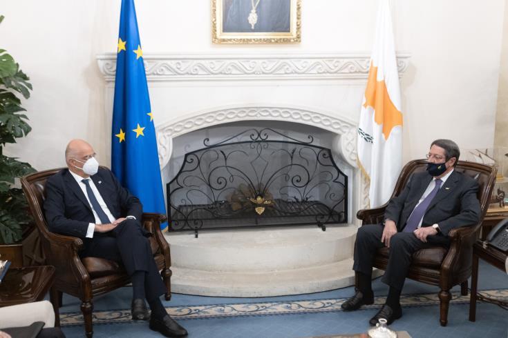 Συνάντηση Δένδια-ΠτΚΔ: «Στενή συνεργασία Ελλάδας-Κύπρου»