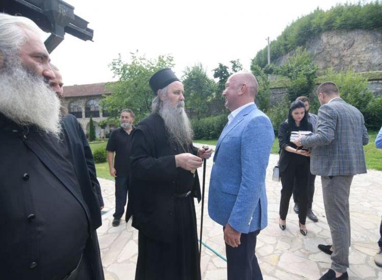 Συνάντηση του Επισκόπου Φώτιου και του Υπουργού Πόποβιτς