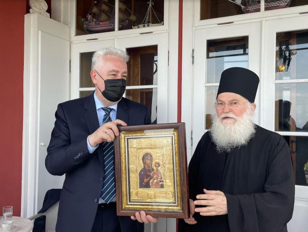 Ο Πρωθυπουργός του Μαυροβουνίου στην Μονή Βατοπαιδίου