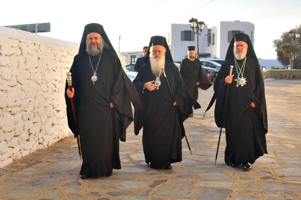 Τριάδα Μητροπολιτών στα Εγκαίνια του Ιερού Παρεκκλησίου των Οσίων Πορφυρίου, Παΐσίου και Ιακώβου (ΦΩΤΟ)